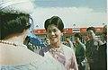 5 มิถุนายน 2506 - รัชกาลที่ 9 และพระราชินีถึงท่าอากาศยานซงซาน -17.jpg