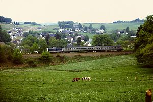 Hagen–Dieringhausen railway - DB 212 312-3 with N6367 on 23 May 1986 at the exit from Marienheide towards Meinerzhagen
