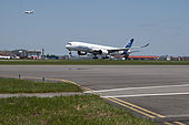 A350 First Flight - Landing 01.jpg