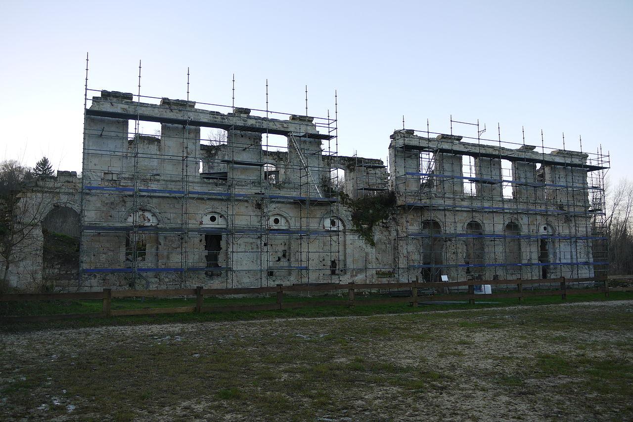 Abbaye Notre-Dame de Valsery L'état de la restauartion en 2015 - Pascal 3012 / commons Wikimedia