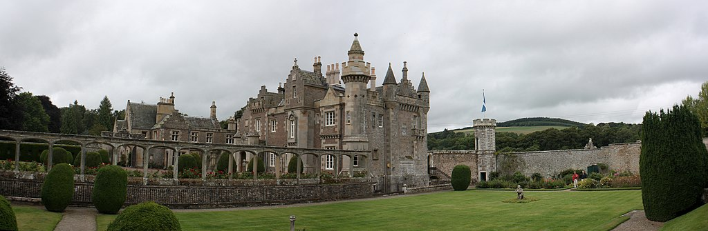 England Garden Architecture. Scottish Castle Abottsford, Landlord Home, Sir Walter Scott