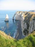 Falésias de calcário na Normandia, perto de Étretat.