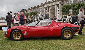Alfa Romeo Quadrifoglio - The quadrifoglio in a triangular field on the 33 Stradale in 1967, inserted next to the Autodelta logo.
