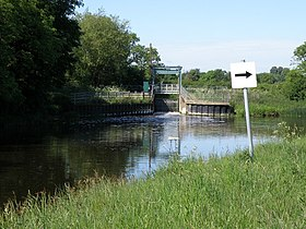 Alwalton weir on the Nene - geograph.org.uk - 1318874.jpg
