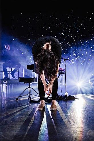 Amanda Cook (singer) - Amanda Lindsey Cook performing with Bethel Music