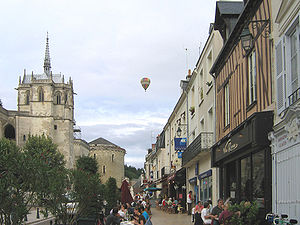 Amboise - Amboise, street near the castle