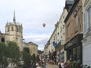 Amboise - Amboise, street near the castle