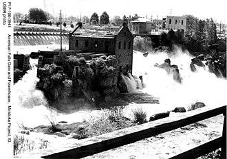 American Falls Dam - American Falls (circa 1902)