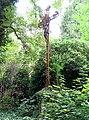 Amiens cimetière de la Madeleine (tombe Zaïre LEROY avec croix de fer forgé) 2.jpg