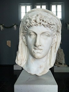 An ancient Roman bust of Cleopatra VII of Ptolemaic Egypt2.jpg