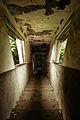 An unstable passageway (15034771581).jpg