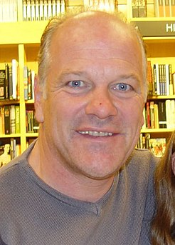 Andy Gray (footballer, born 1955) English footballer, commentator (1955-)