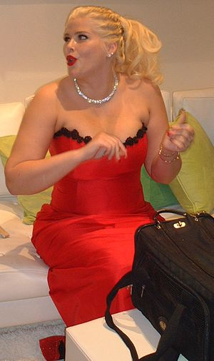 Anna Nicole Smith at the 2003 E3