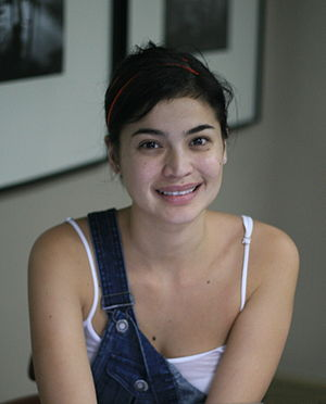 Actress Anne Curtis