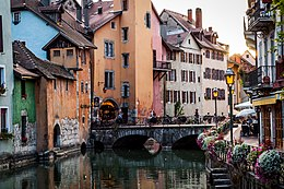 Annecy old town 2.jpg