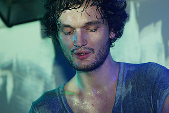 Apparat (musician) - Apparat performing in March 2009
