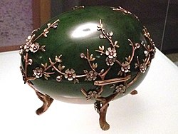 Apple Blossom Egg Carl Fabergé (cropped).JPG