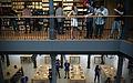 Apple Store Sol (Madrid) (14444118266).jpg