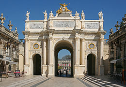 Arc Héré, Place Stanislas, Nancy.jpg