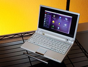 Ubuntu Netbook Edition - UNE 10.10 running on an Asus Eee netbook