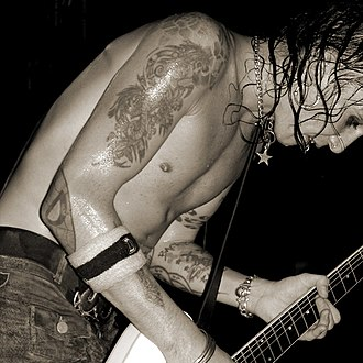 The Hellacopters - Original guitarist and founding member Dregen performing live.