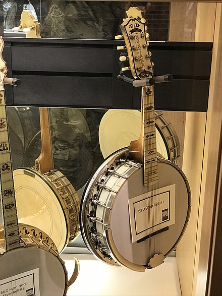 Bacon & Day ''Montana Silver Bell'' mandolin-banjo at the American Banjo Museum. This is a Jazz-Age banjo, the American closed-back type that Leonardi referred to. The closed back is a resonator, to project more sound outward.