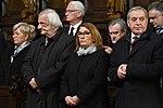 Bazylika św. Jana Chrzciciela w Warszawie, Marsz Pamięci, apel pamięci przed Pałacem Prezydenckim. Wieczorne obchody 9. rocznicy katastrofy smoleńskiej (1).jpg
