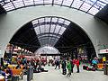 Bergen stasjon - avgangshallen mot toghallen.jpg