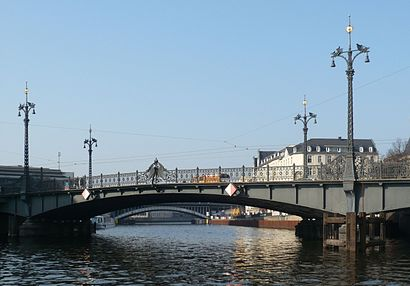 How to get to Weidendammer Brücke with public transit - About the place