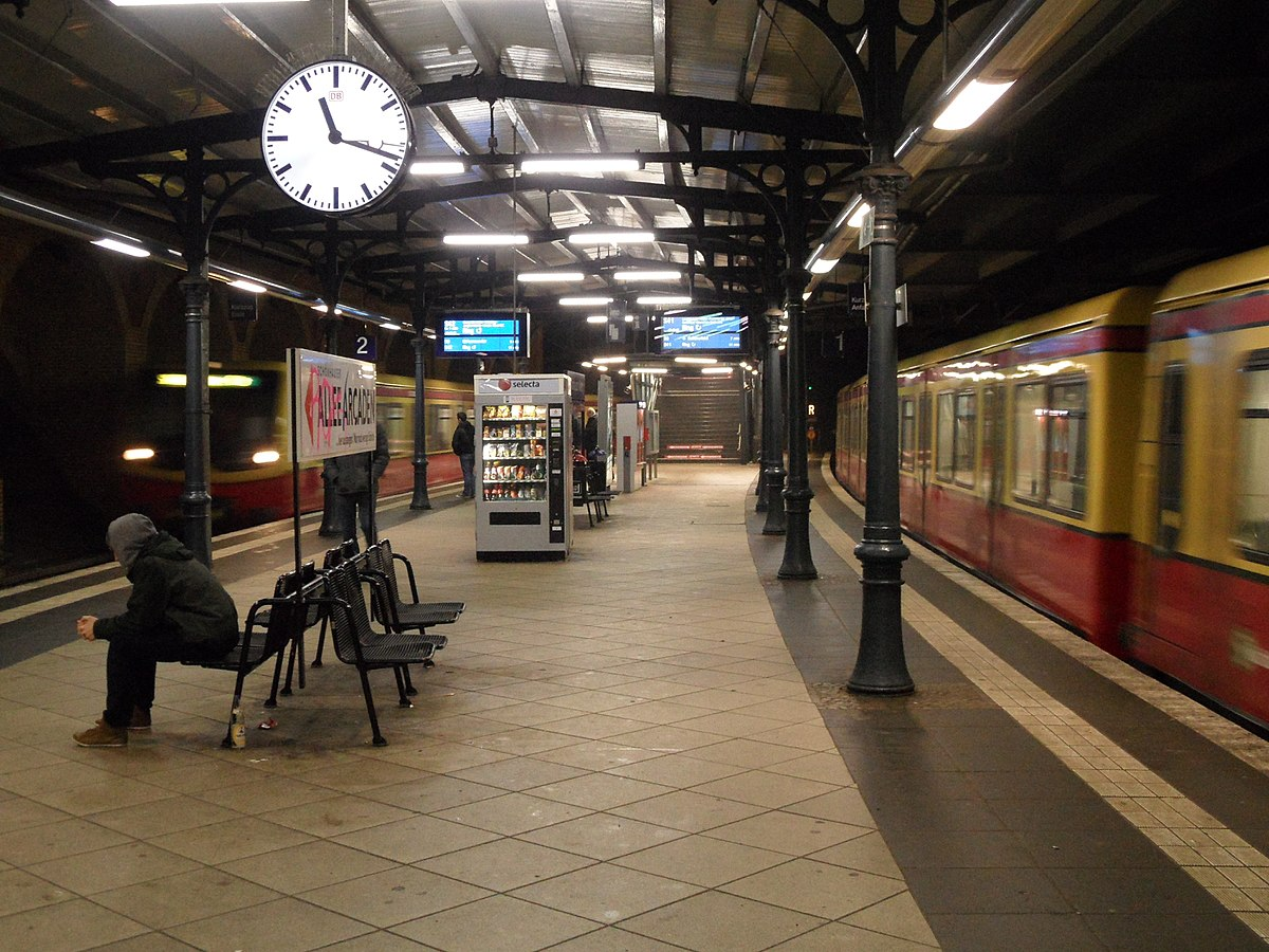 berlin sch nhauser allee station wikipedia. Black Bedroom Furniture Sets. Home Design Ideas