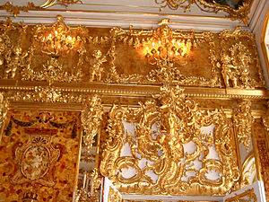 Amber Room - An angel statue featured on the wall of the Amber Room