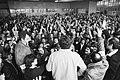 Bezetting van poort van Ford A'dam door werknemers uit protest tegen eventuelesluiting, personeelsverg., Bestanddeelnr 931-4527.jpg