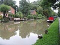Boats and houses at Linslade - geograph.org.uk - 956586.jpg