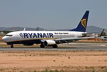 Boeing 737-8AS, Ryanair JP6277405.jpg
