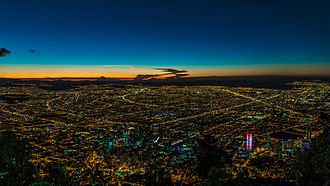 Economy of Colombia - Image: Bogotá, Nocturna