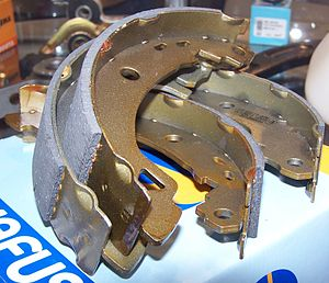 Brake lining - Drum shoes with linings