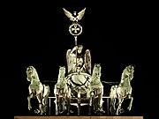 勃兰登堡门门顶的胜利女神雕像。