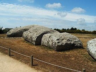 Locmariaquer megaliths - Image: Bretagne Morbihan Locmariaquer 14015