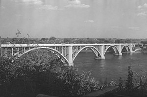 Viau Bridge - Image: Bridge. Ahuntsic Bridge B An Q P48S1P04714