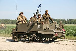 British Universal Carrier, Thunder Over Michigan 2006.jpg