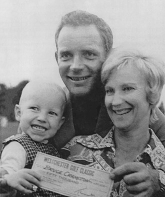 Bruce Crampton - Crampton with wife Joan and two-years-old son Jay after winning the 1970 Westchester Classic