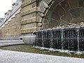 Brunnen mit tropfendem Wasser.jpg