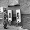 Bundesarchiv B 145 Bild-F010055-0004, BML, Verpflegung aus Automaten.jpg