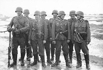 MG 34 - A Wehrmacht infantry squad with the MG 34 in the light machine gun role