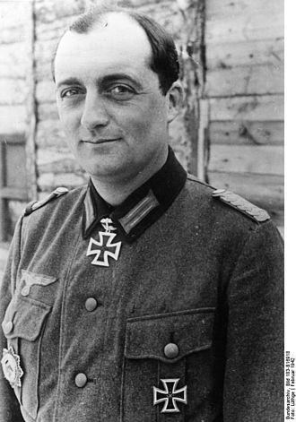 Panzer Corps Feldherrnhalle - Image: Bundesarchiv Bild 183 B16918, Günther Pape