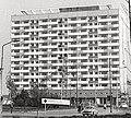 Bundesarchiv Bild 183-E1012-0024-001, Dresden, Pirnaischer Platz, Hochhaus (cropped).jpg