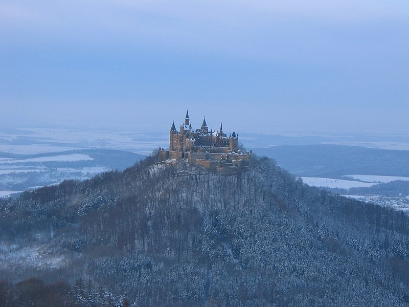 File:Burg-Hohenzollern-Winter.jpg