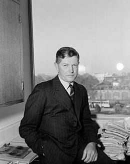 Burnet in 1945.jpg