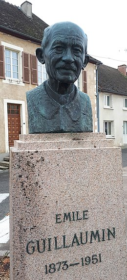 Bust of Emile Guillaumin in Ygrande.jpg