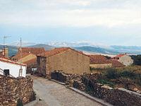 Calle y casa en La Acebeda.jpg